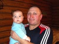 Геннадий Николаевич Бардаков –Помощник настоятеля. На фотографии с Матвеем.