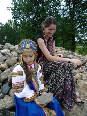 Саша с Машей на набережной